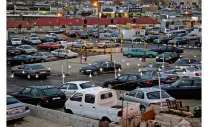 وزير المالية: لا تراجع عن قرار مضاعفة رسوم نقل ملكية المركبات