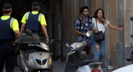 قصة سائحة أسترالية نجت من ثلاثة هجمات إرهابية