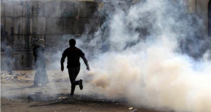 الاحتلال يطلق قنابل غازية باتجاه الطلبة في أبو ديس