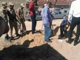 مصري يقتل زوجته الثانية ويدفن ابنته حية... بسبب غيرة زوجته الأولى!