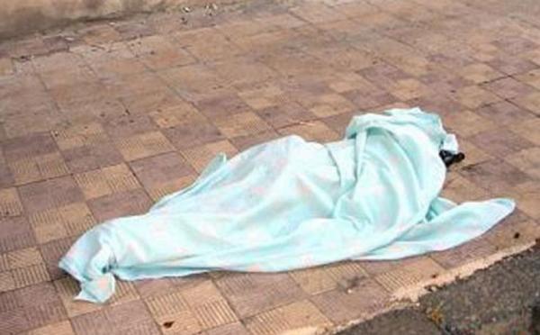 إلقاء جثة أمام مستشفى في عمان وضبط المتورط بعد فراره