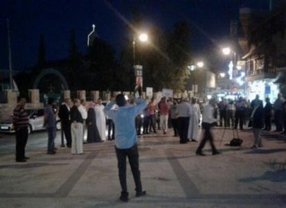 مادبا..  اعتصام للتصدي لمشروع الضريبة بساحة السلام