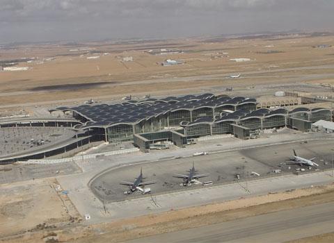 انحراف طائرة في مطار الملك حسين بالعقبة