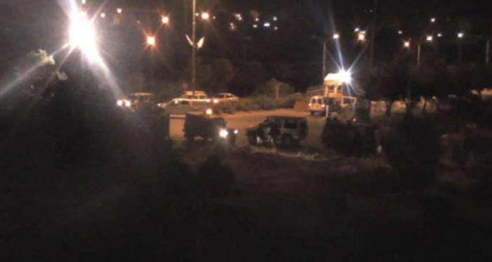 مستوطنون يشنون هجوماً على أحياء الخليل واعتقال أكثر من 67 فلسطينياً