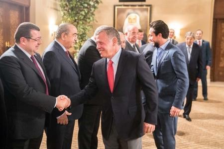 الملك يلتقي رئيس مجلس الأعيان وأعضاء المكتب الدائم ورؤساء اللجان