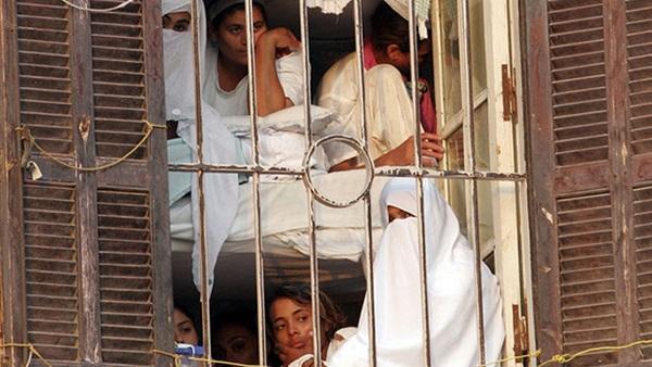 محاكمة سيدة أردنية بتهمة قتل شخص وتمزيق جسده بمصر