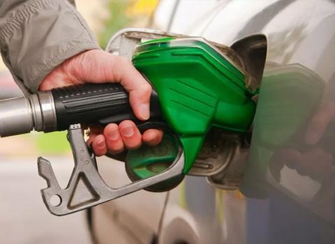 ارتفاع على أسعار المحروقات واسطوانة الغاز للشهر المقبل