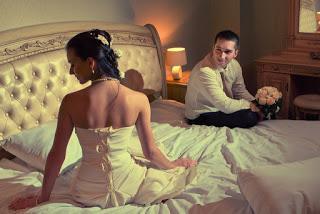 طلبت من عريسها طلب فى يوم زفافهما فطلقها فى الحال ..!