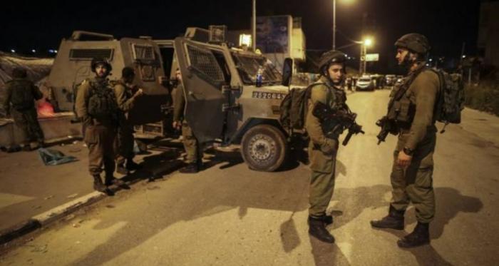مداهمات واعتقالات في الضفة تطال عشرات المواطنين