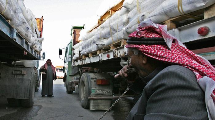 تخفيض رسوم دخول الشاحنات بين الاردن ومصر