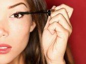 نصائح تجميلية لصاحبات العيون البنيّة!