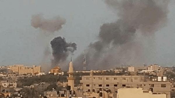 الدبابات الاسرائيلية تقصف قطاع غزة