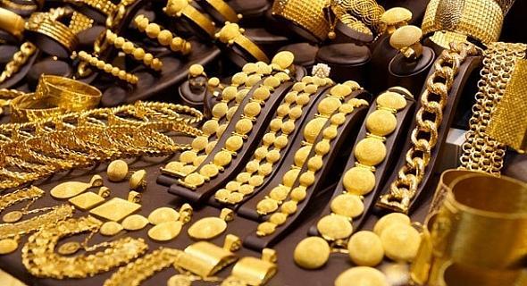 الذهب يصعد لأعلى مستوى في شهر
