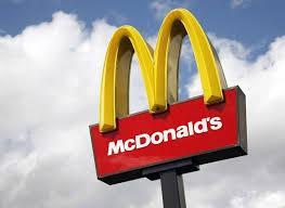 ماكدونالدز تمنع فتاة محجبة من دخول المطعم