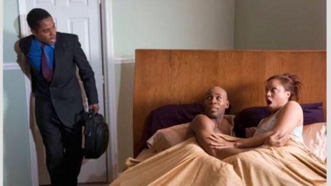 إيقاف زوجة متلبسة بالخيانة الزوجية بعد شكوك زوجها