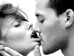 الأطباء يؤكّدون أنّ بعض القبلات تؤدّي إلى الوفاة