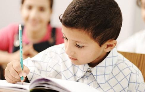 توجه لتوطين نماذج دولية بالمناهج المدرسية