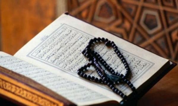 فيديو: عمره 80 عاماً ويختم القرآن الكريم 40 مرة
