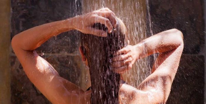 أيهما أفضل.. الاستحمام ليلاً أم نهارًا؟