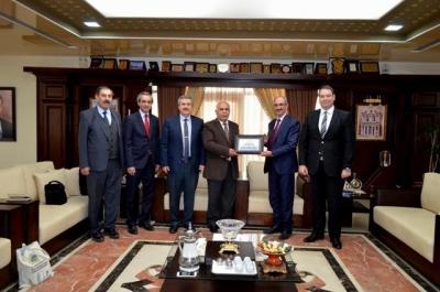 مذكرة تفاهم بين عمان الأهلية وجامعة آهي أفران التركية