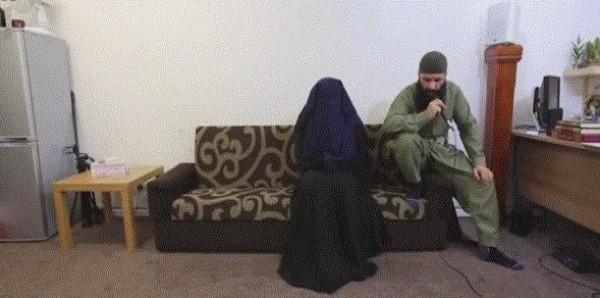 شاهد إمام مسجد بريطاني وهو يخرج