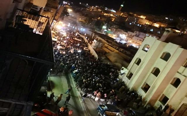 النائب قموه.. وقف احتجاجات السلط مرهون بتوجيه الملك خطابًا للمواطنين