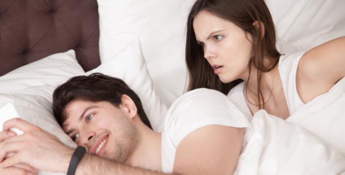 لا تلومي زوجكِ على الخيانة.. وابحثي عن المرأة الأخرى!
