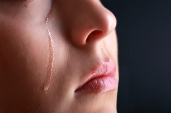 اغتصب فتاتين إحداهما ابنة أخته فقطع عنقها وخبأ جثتها بالثلاجة