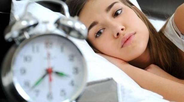 ما الرابط بين قلة النوم والبدانة؟