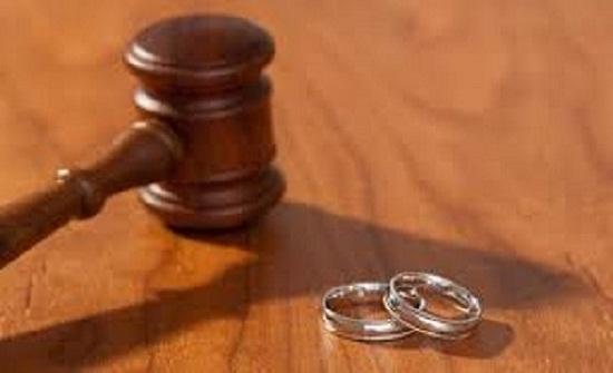 زوجة في دعوى خلع سرق ملابسي وسحرني لأتزوجه