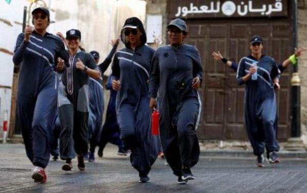 بالصور ... سعوديات يحتفلن باليوم العالمي للمرأة بالركض في شوارع جدة