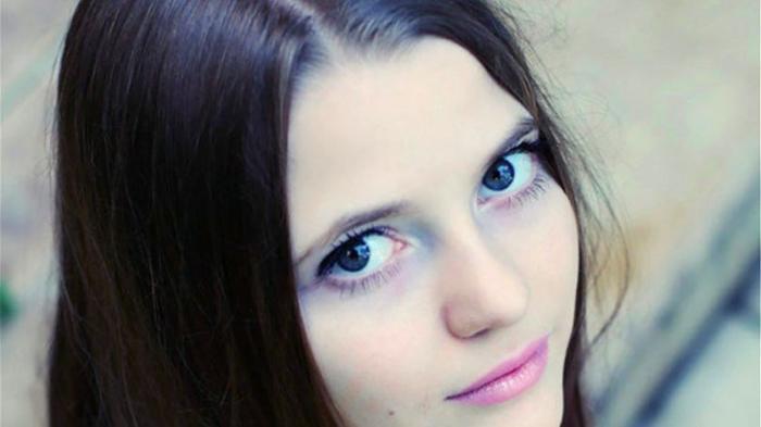 رجل أعمال احتجز عارضة أزياء واغتصبها وعذّبها لمدة 7 سنوات