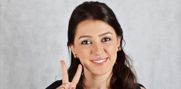 كندة علوش تكشف حقيقة تبرؤها من الجنسية السورية