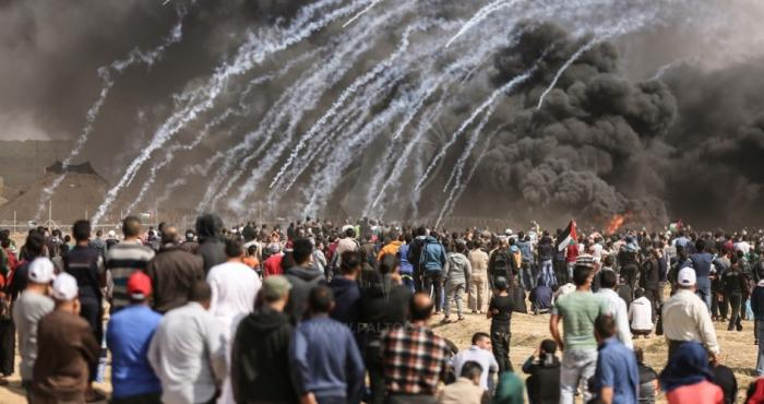 ثلاثة شهداء واصابة 883 آخرين في الجمعة الخامسة لمسيرة العودة