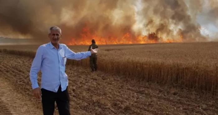 الطائرات الورقية تُحرق المستوطنين