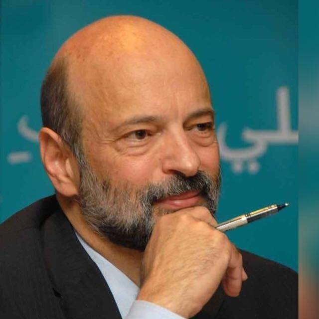 الرئيس الرزاز يرد على الانتقادات الموجهة تشكيلة الحكومة