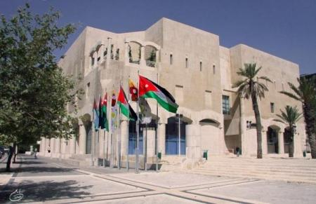 رفع 6 هياكل ومركبات مهجورة يوميا في العاصمة عمان