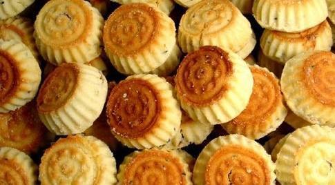 تحذير من حلويات غير صالحة بالأردن