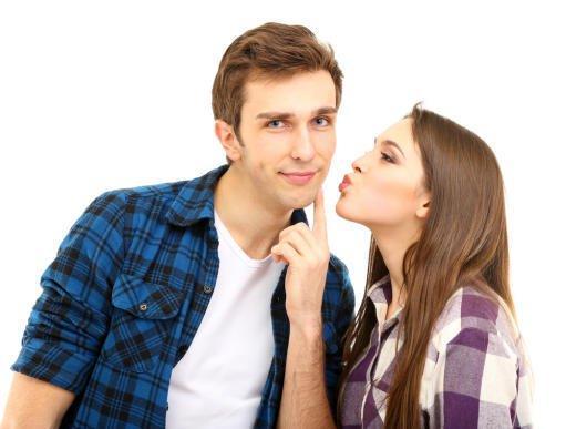 6 نماذج لفتيات يقعن في فخ الحب الوهمي
