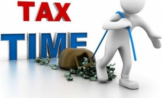 الرزاز يؤكد عزمه على سحب قانون ضريبة الدخل