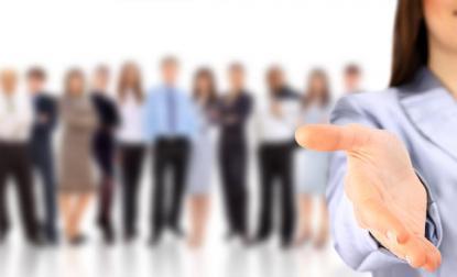 الحكومة تعلن عن 150 فرصة عمل للإناث - تفاصيل