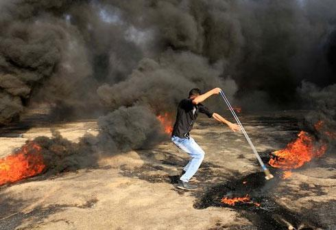 غزة : اصابات في مسيرة مليونية القدس