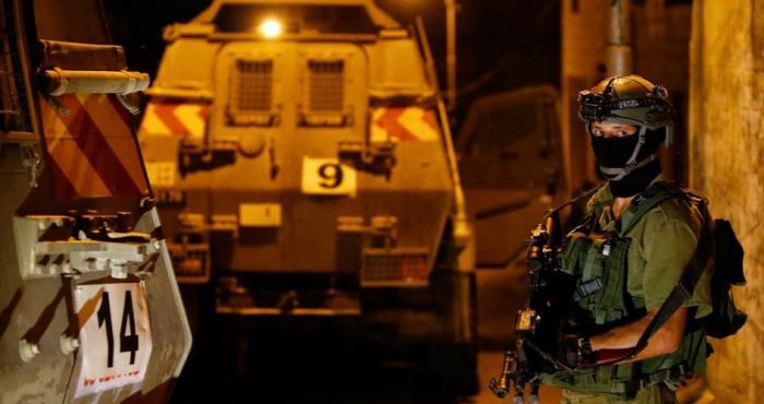 مواجهات بالضفة واعتداءات للمستوطنين في نابلس