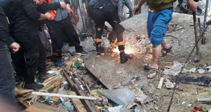 شهيدان وإصابة ثالث بجراح حرجة قرب برج الوحدة وسط غزة