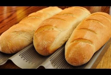 وزير الصناعة يقرر تحرير أسعار الكعك وخبز الحمام