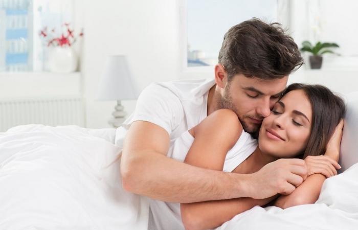تعرف علي أسباب إنجذاب المرأة المتزوجة لرجل أخر
