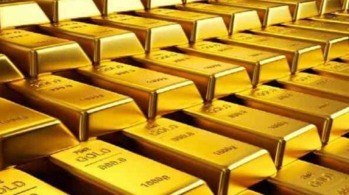 الذهب يلامس أعلى مستوى في أسبوع مع تراجع الدولار