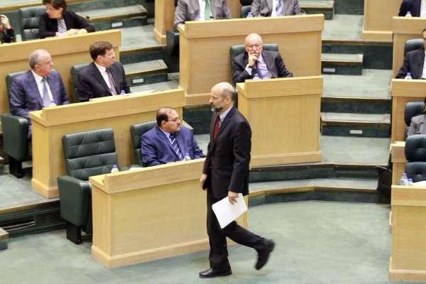 نبيل غيشان يلوح بمذكرة طرح ثقة بحكومة الرزاز