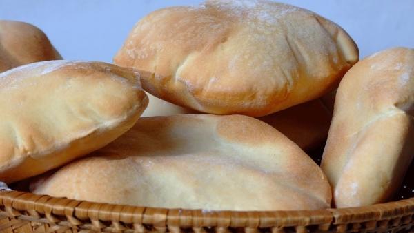 الحكومة تبدأ باعداد الموازنة.. والهزايمة: الدعم النقدي للخبز سيبقى كما هو