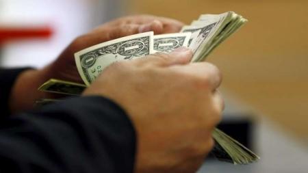 أزمة مالية خانقة بمصر